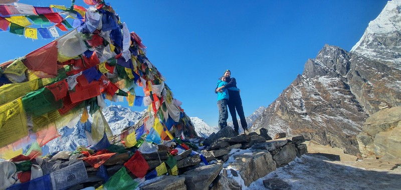 Couple posing at the top of Langtang valley